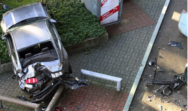 Mustang crash in Lugano, Switzerland. Image: Manual Meleleo