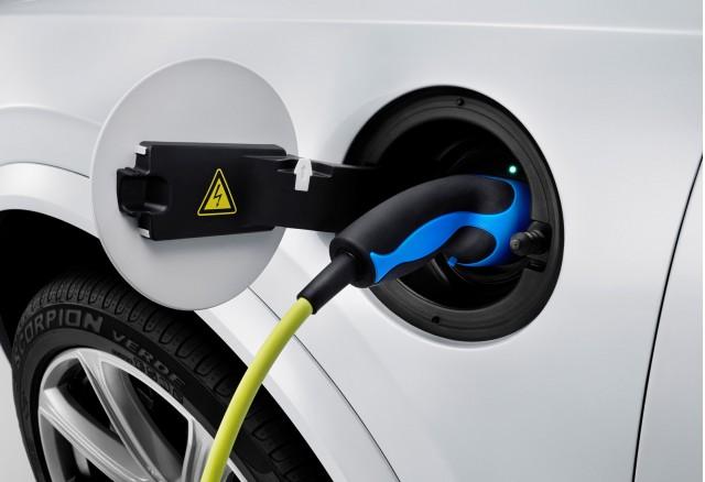 New Volvo XC90 T8's plug-in hybrid drivetrain