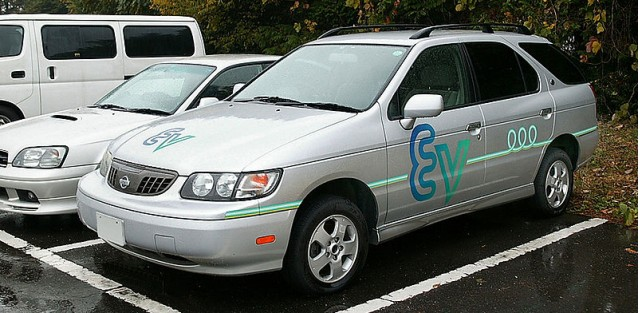 Nissan Altra EV