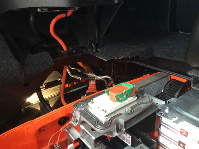 Nissan e-NV200 battery pack cutaway, incl thermal conditioning connectors [photo: Transport Evolved]