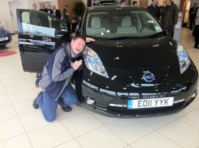 The First customers (and fans) of the 2011 Nissan Leaf in the U.K.