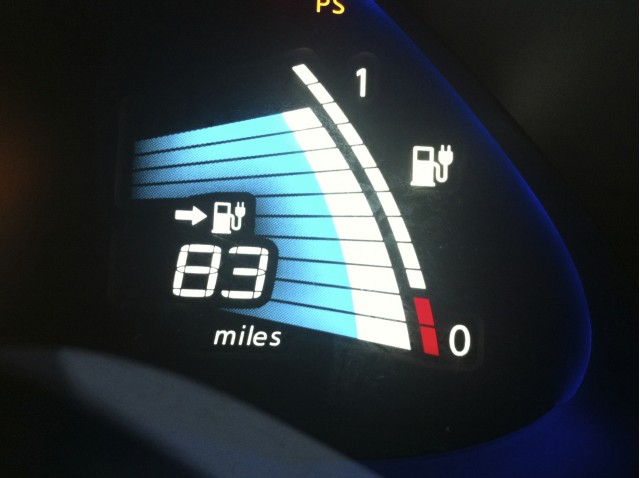 2011 Nissan Leaf State of Charge and Miles remaining