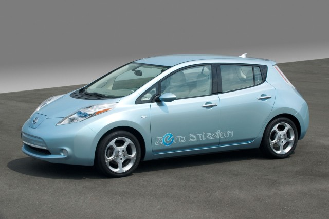 lessons learned from early electric car 2011 nissan leaf. Black Bedroom Furniture Sets. Home Design Ideas