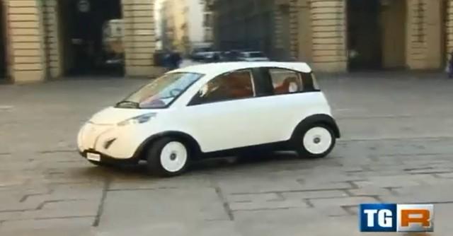 P-Mob solar electric car (Video screen shot)