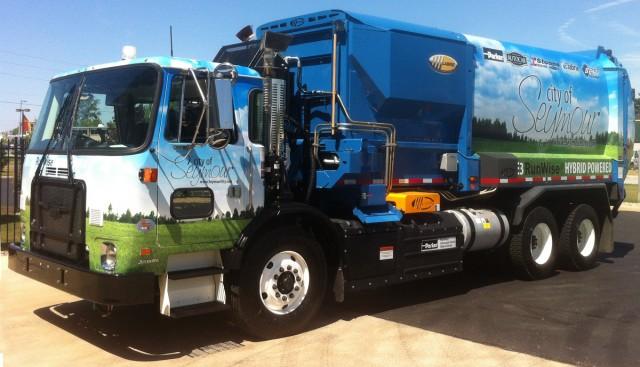 Parker Runwise hydraulic hybrid garbage truck (City of Seymour)