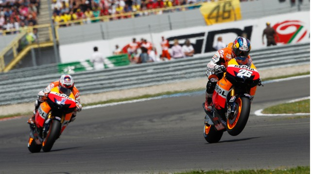 Pedrosa leads Stoner early in the race - MotoGP photo