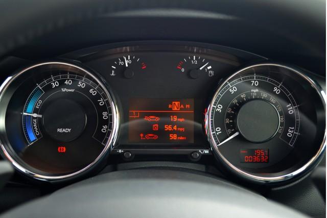 Peugeot 3008 HYbrid4, diesel hybrid first drive