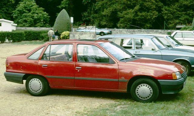 http://en.wikipedia.org/wiki/Image:Opel_Kadett_E_Notchback_.jpg