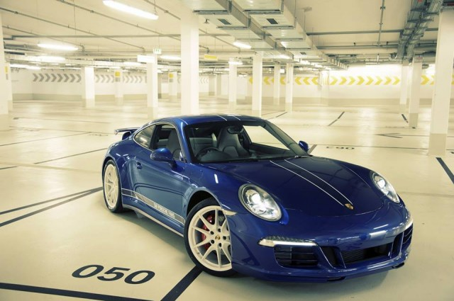 Porsche 911 Carrera 4S, as designed by Facebook fans