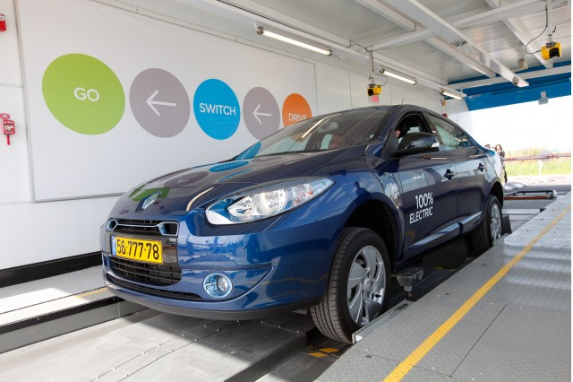 Renault Fluence ZE electric cars in Israel, provided by Better Place [photo: Better Place]