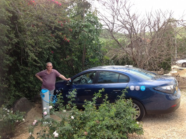 Renault Fluence ZE electric car belonging to Better Place user David Rose [photo: David Rose]