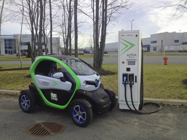 Renault Twizy 40 arrives in Canada, March 2016 [photo: Azra]