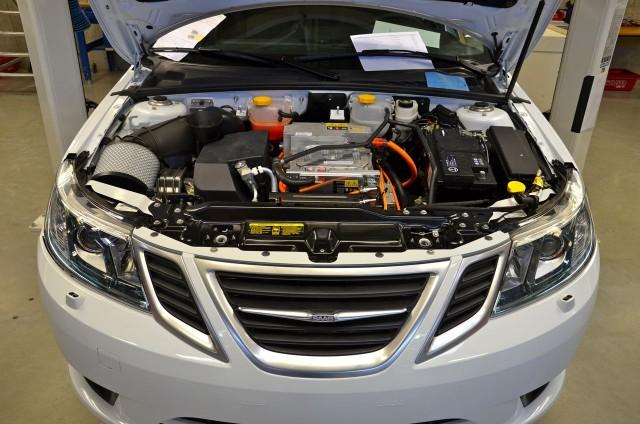 Prototype Electric Saab 9 3 Ev Revealed By Struggling