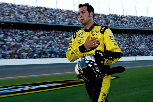 Sam Hornish rushes to the No. 22 Pennzoil Dodge - NASCAR photo