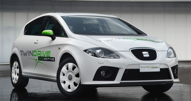 Similar to VW's system, the new Seat Leon Twin Drive features both an electric motor and internal combustion engine