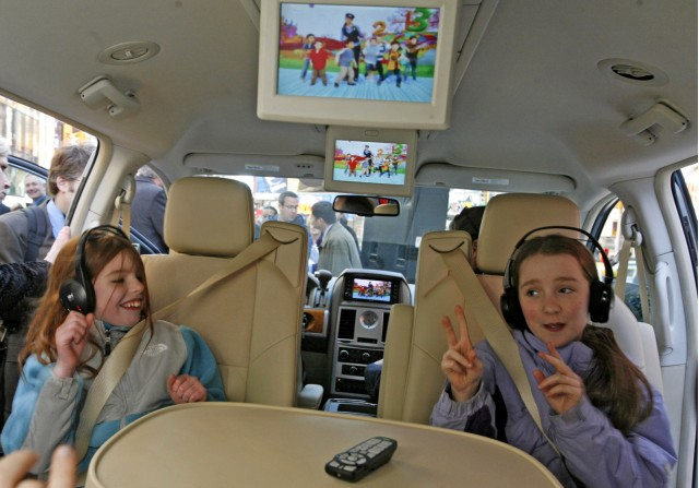 Survey: DVD, Nav Systems Are Must-Haves For Summer Road Trips