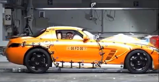 SLS AMG Crash Test