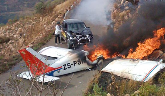 Small plane hits Ford Ranger near Johannesburg, South Africa, and all survive
