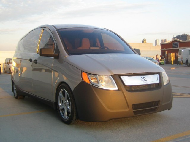 Smart IDEA plug-in hybrid delivery van prototype