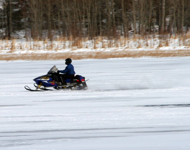 Snowmobile (Image by Flickr user katerha used under Creative Commons license)