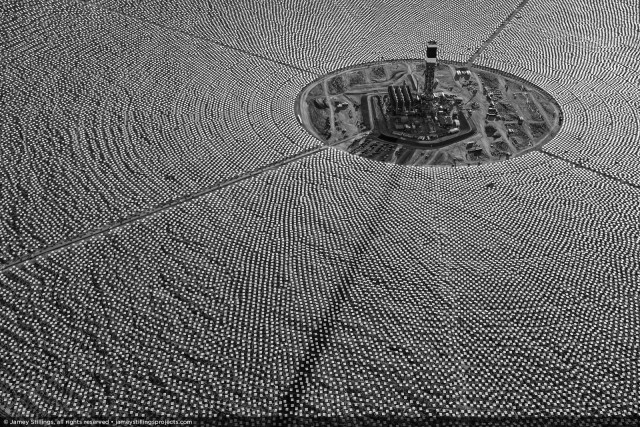 Solar Field, Mojave Desert [Credit: ©2012 Jamey Stillings, courtesy of the Forward Thinking Museum]