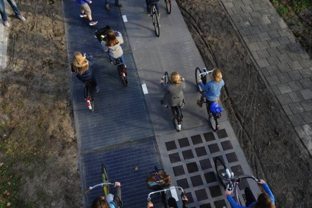 SolaRoad solar bicycle lane, The Netherlands