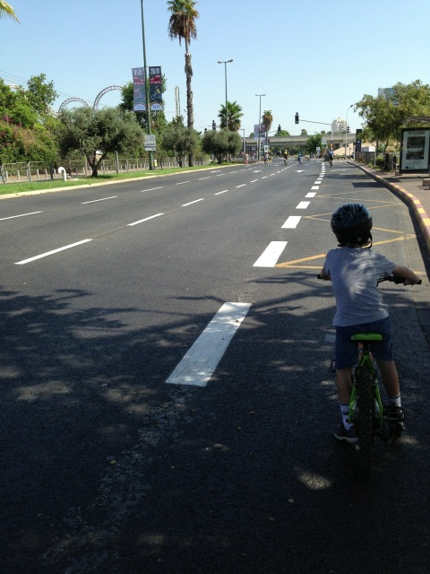 Tel Aviv, Israel, free of traffic during Yom Kippur holiday [photo: Brian of London]