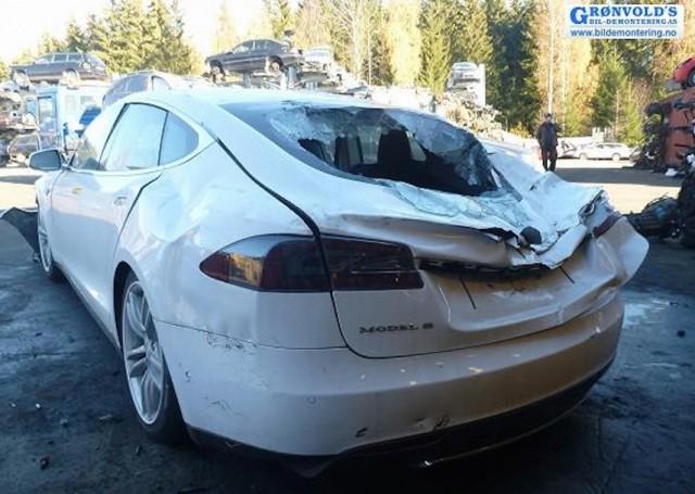Tesla Model S caught in landslide