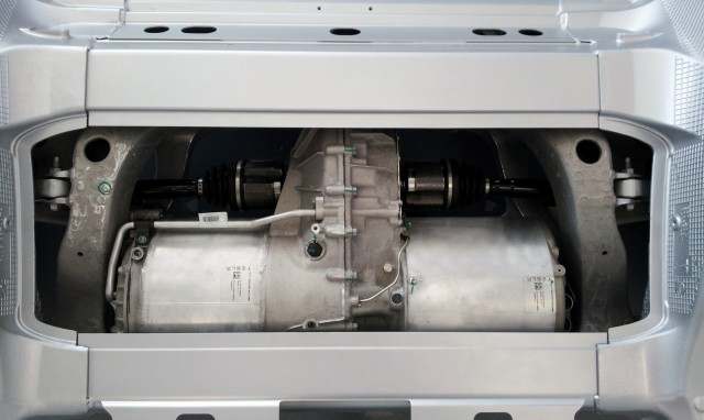 Tesla Model S electric motor and drive unit [photo posted by user Tam to Tesla Motors forum]