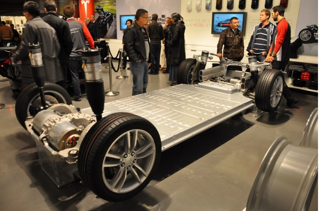 Tesla Model S lithium-ion battery pack in rolling chassis [photo: Martin Gillet via Flickr]