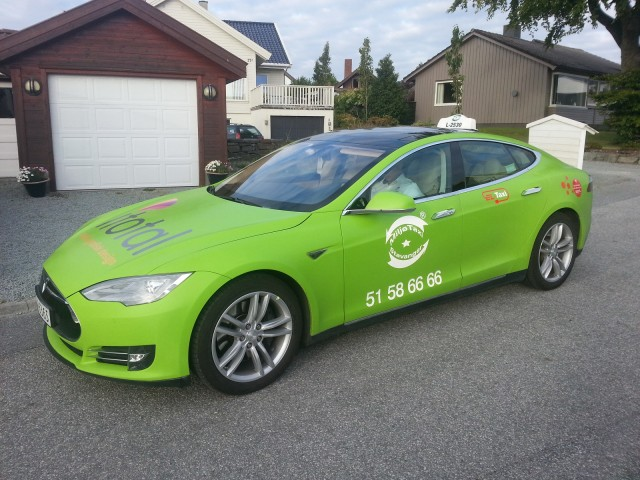 Tesla Model S taxi in Stavanger, Norway  [photo: Andrew Henderson]