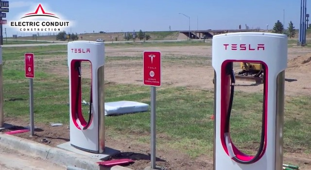 Tesla Supercharger DC fast-charging site, Goodland, Kansas. Photo by Electric Conduit Construction.
