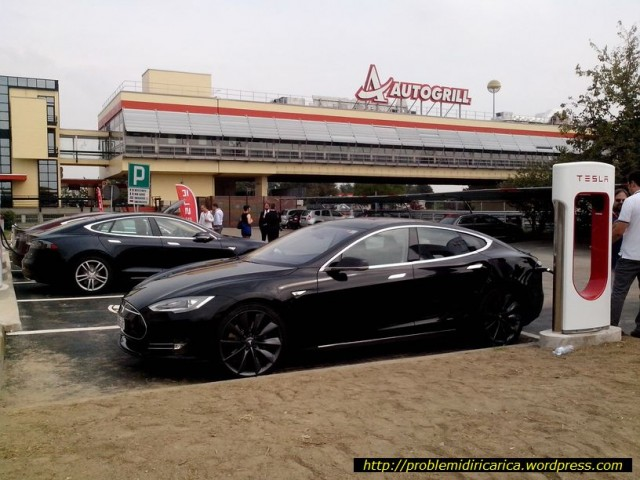 Tesla Supercharger site in Dorno, Italy, photo by problemidiricarica.wordpress.com/