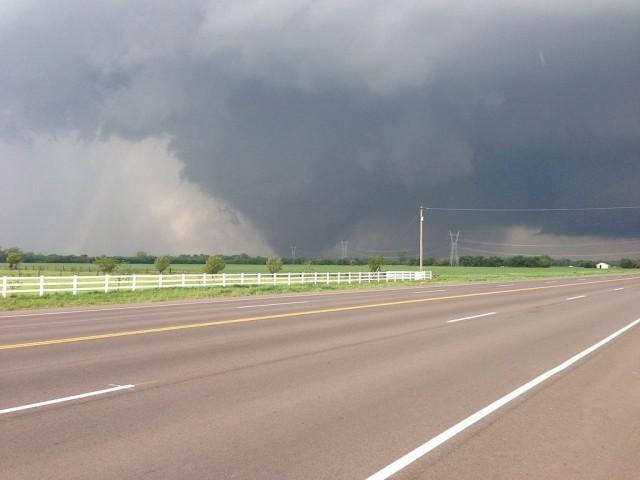 The 2013 Oklahoma City tornado as it passed through south Oklahoma City (via Wikimedia)