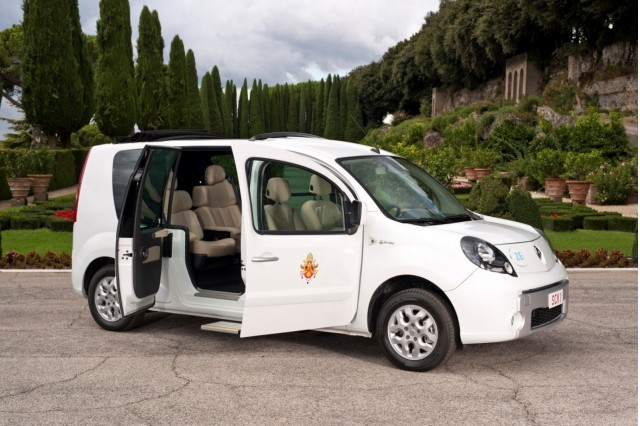 The Pope's Renault Kangoo Z.E. (Photo: Renault Italie)