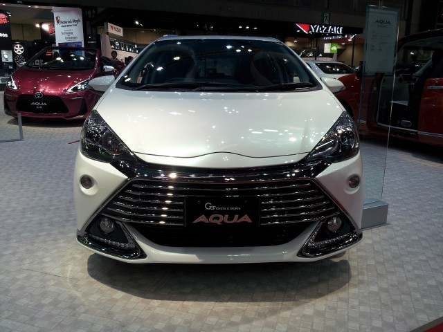 Toyota Aqua G Sports Concept (Prius C) at 2013 Tokyo Motor Show