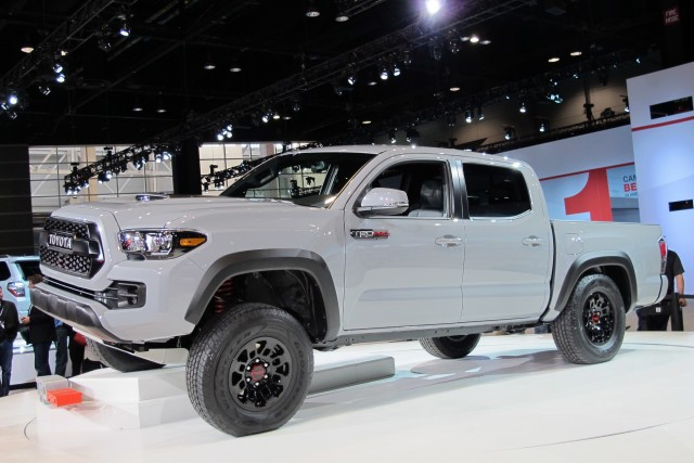 2017 Toyota Tacoma TRD Pro Debuts At 2016 Chicago Auto ...
