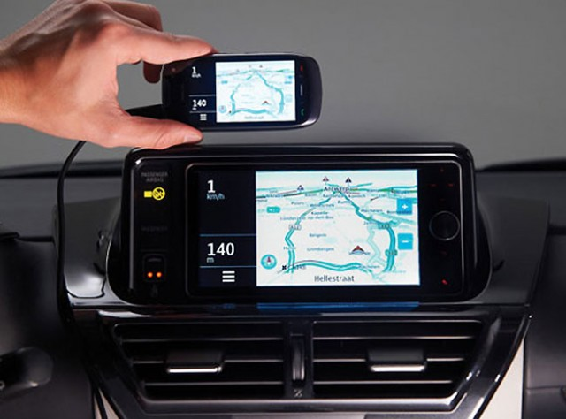 toyota touch life sync smartphones with in car displays. Black Bedroom Furniture Sets. Home Design Ideas
