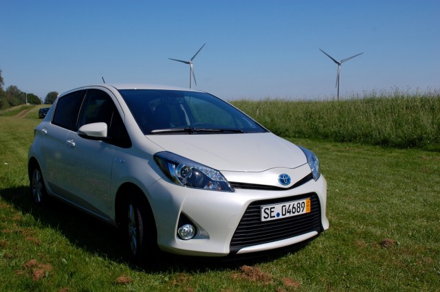 Toyota Yaris Hybrid First Drive [Photos: Antony Ingram]