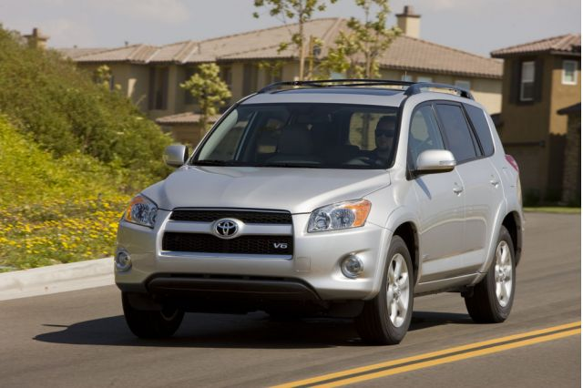 toyota recalls 2 5 million vehicles for faulty power. Black Bedroom Furniture Sets. Home Design Ideas