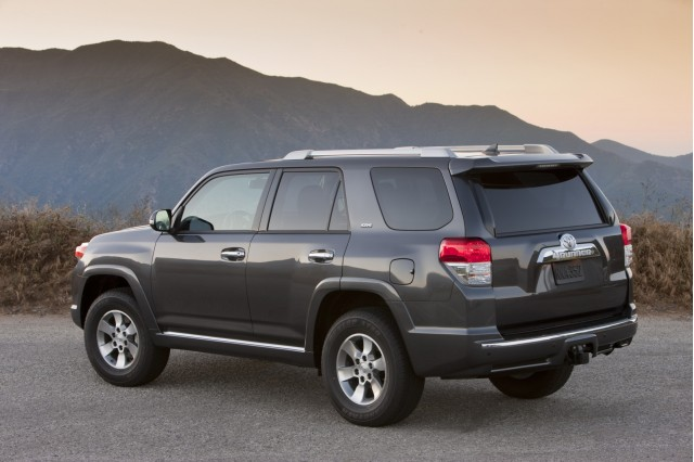 Hybrid Pickup Truck >> Toyota Not Planning On Many Takers For 4-Cylinder 4Runner