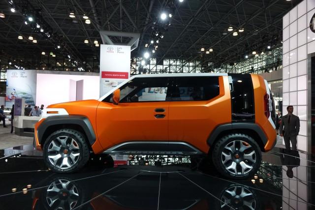 Toyota FT-4X concept, 2017 New York Auto Show