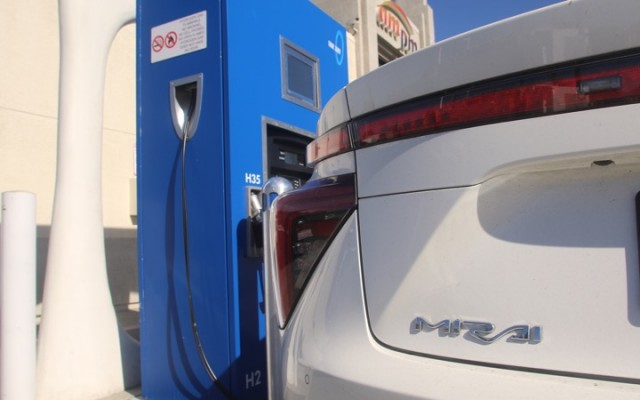 True Zero hydrogen fueling station