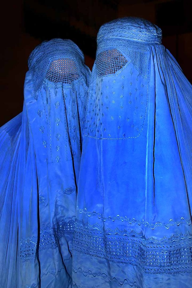 Two Afghan women wearing burqas, from Flickr user BabaSteve