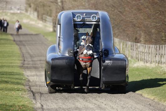 UK-based Revolve Technologies developed this moblile race-horse trainer for Kurtsystems