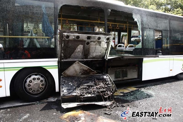 Ultra-Capacitor Bus in Shanghai after fire; photo from Eastday