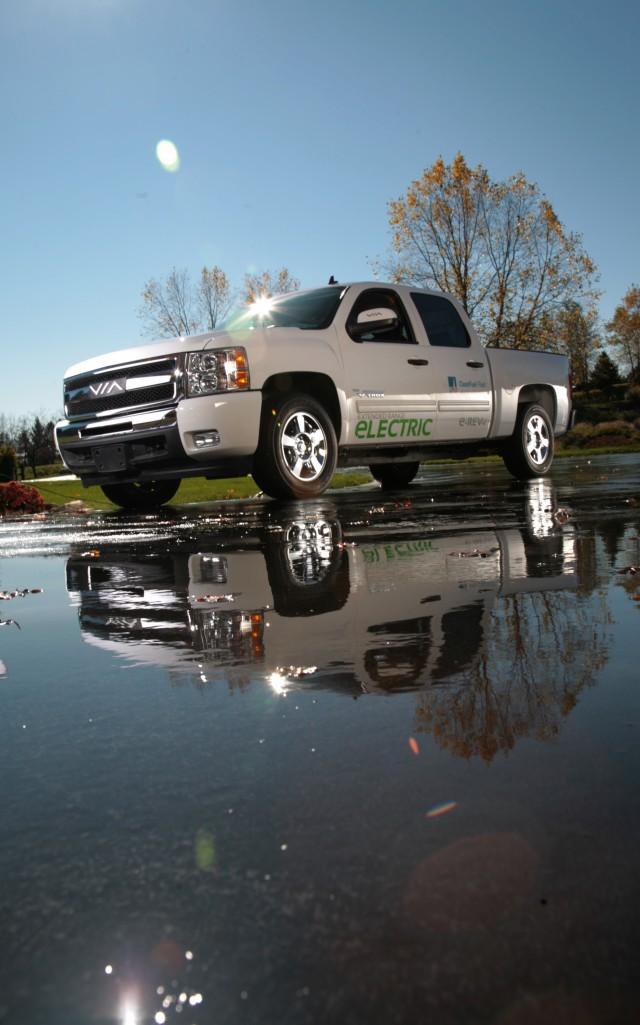 Via eREV range-extended electric pickup