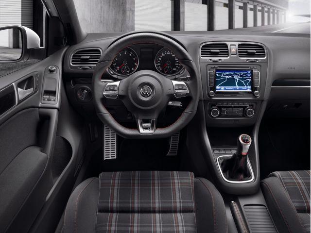 2010 Volkswagen GTI interior