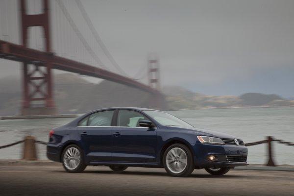 2011 Volkswagen Jetta: Live Drive