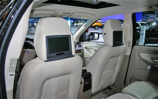 Volvo's RSEi-500™ entertainment system, shown at the 2010 Chicago Auto Show [via MotorTrend]